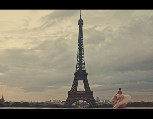 Cancer Patient Gets Paris Photo Shoot