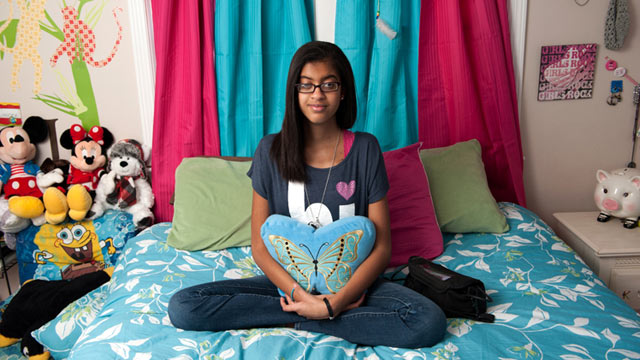 PHOTO: Kyah Desimone, 13, has an artificial heart that keeps her alive while she waits for a transplant.
