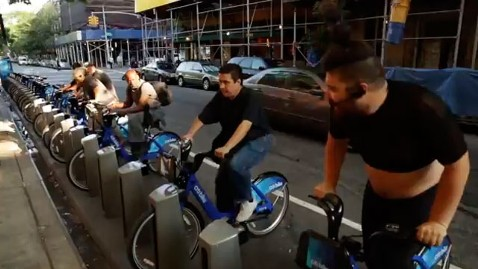 ht spin citi bike nt 130624 wblog Parked Citi Bikes Become SoulCycle for Homeless