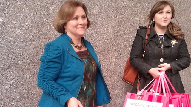 PHOTO: Allana Maiden and her mother Debbie Barrett delivered a petition to Victoria Secret headquarters today, asking them to create a line of bras for survivors of breast cancer.