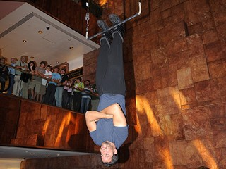 http://a.abcnews.com/images/Health/nm_david_blaine_080919_mn.jpg