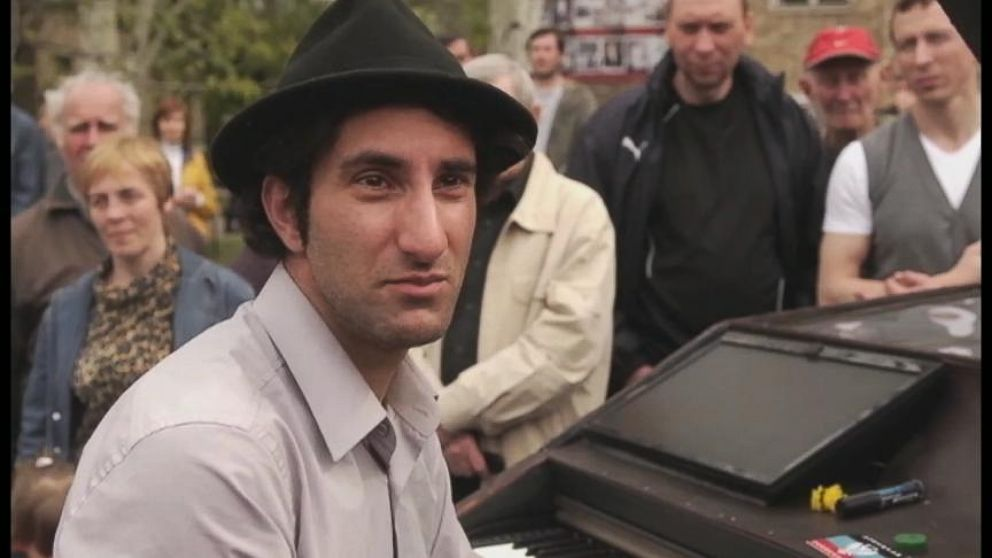 VIDEO: Pianist Attempts to Bring People in Ukraine Together With Music