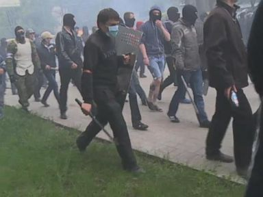 Ukraine Demonstration Turns Violent After Pro-Russian Mob Arrives