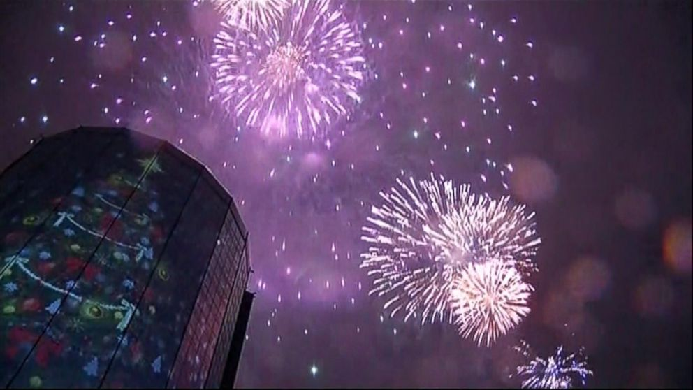 VIDEO: Istanbul rings in the New Year with fireworks display.