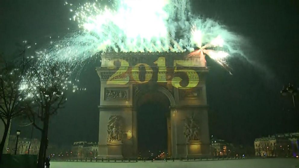 VIDEO: Revelers welcome the New Year in France with fireworks display.