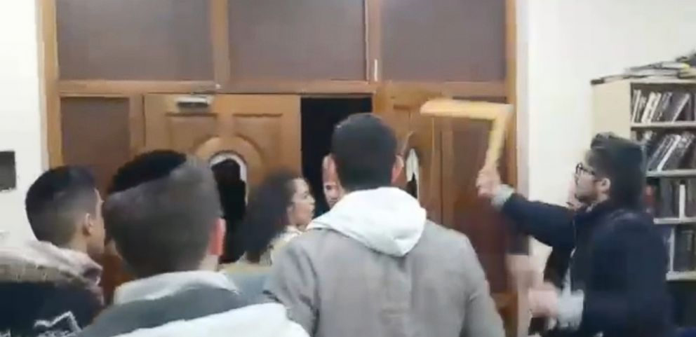 VIDEO: A group of roughly 20 men and women entered a London synagogue on Sunday, attacking the young worshippers inside and smashing windows.