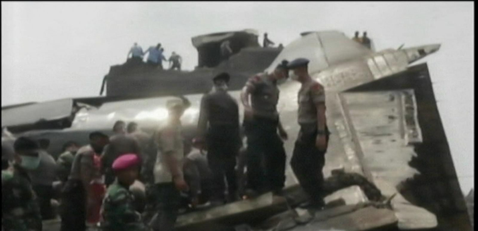 VIDEO: 100+ Killed in Military Cargo Plane Crash in Indonesia