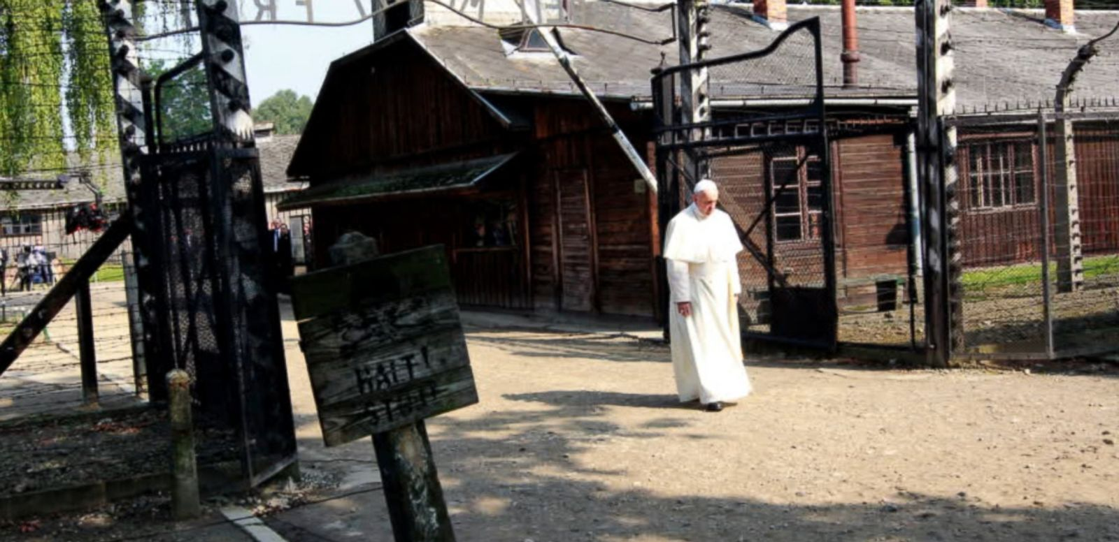 VIDEO: Pope Francis paid a somber visit to the site of the former Nazi Germnan death camp of Auschwitz in southern Poland on Friday.