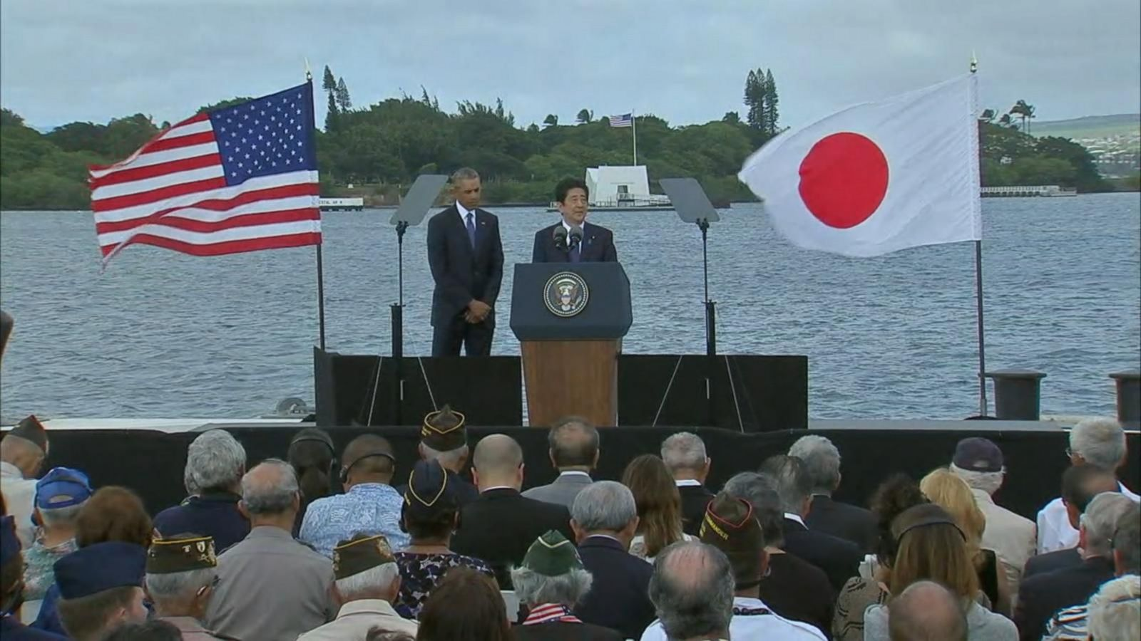 Pence promotes Trump's economic plans in Japan
