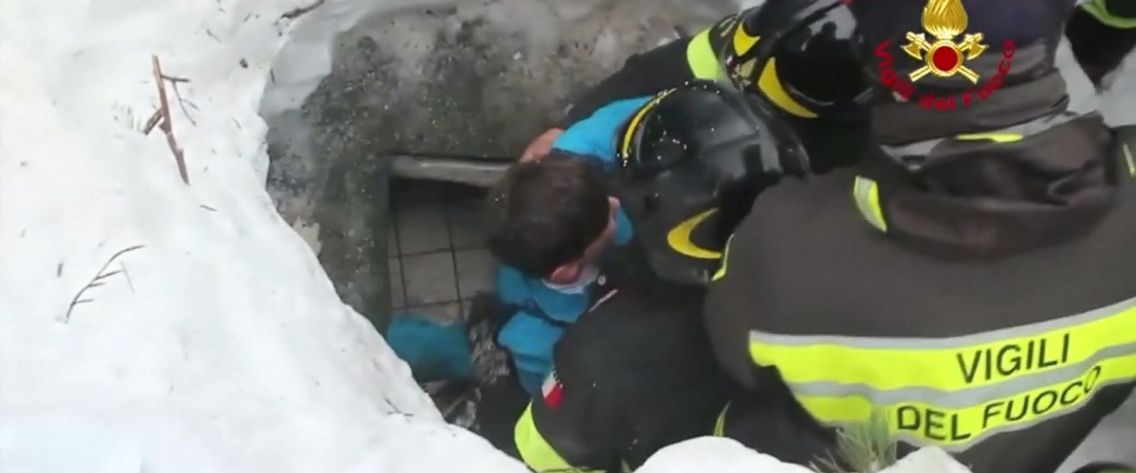 VIDEO: Survivors including a child and mother were rescued from the rubble and snow after an avalanche trapped them inside a hotel in Italy.