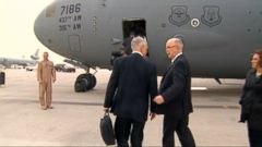U.S. Defense Secretary Jim Mattis arrived on an unannounced visit in Iraq as the battle to oust Islamic State militants from western Mosul moved into its second day, and as the Pentagon considers ways to accelerate the campaign against IS in Iraq & Syria.