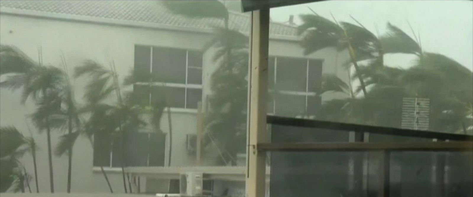 VIDEO: The powerful Cyclone Debbie made landfall near a resort town in Queensland state.