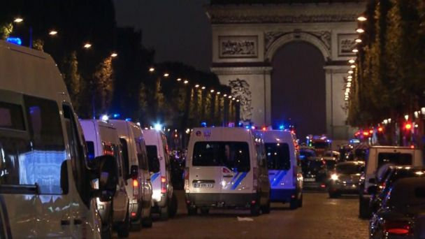 VIDEO: Officer shot dead on Champs-�lysées in Paris, police say