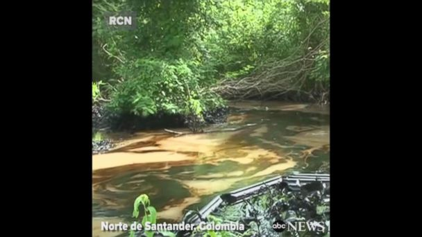 VIDEO:  Bomb attack causes oil spill along Colombia's 2nd largest pipeline