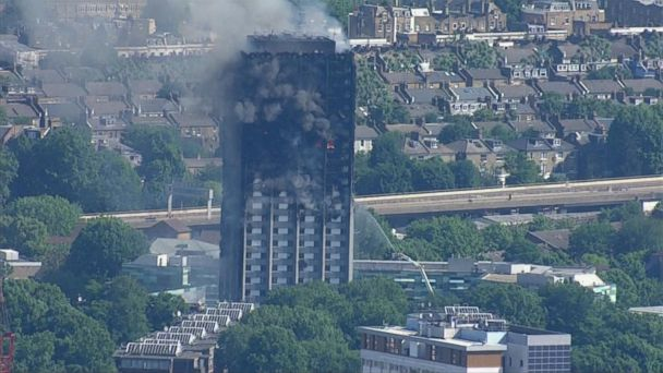 VIDEO: London apartment building still smoldering, in danger of collapsing