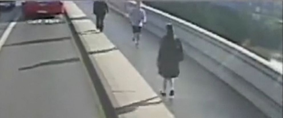 VIDEO: London Metropolitan Police released CCTV video of the incident in hopes of finding the jogger.