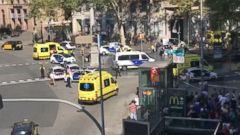 VIDEO: The incident unfolded on Catalunya Square in Barcelonas Las Ramblas district.