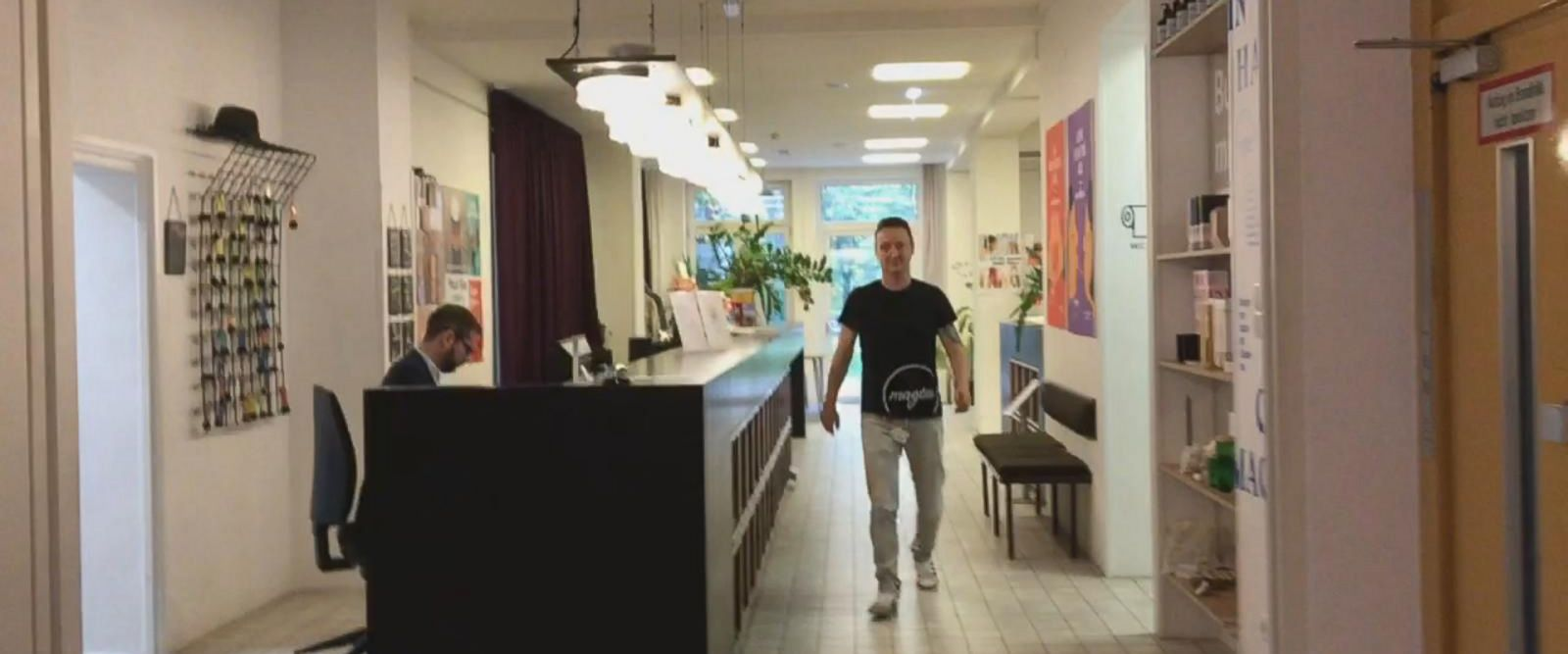 VIDEO: Austrian hotel helps refugees gain work experience