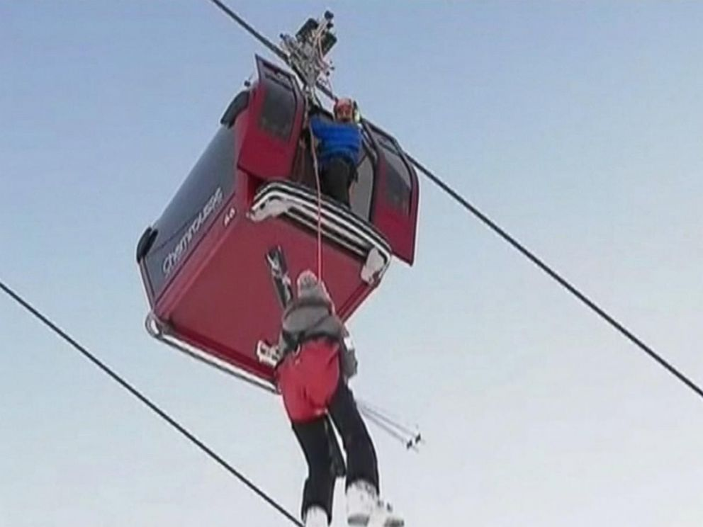 VIDEO: 150 skiers rescued from stalled ski lift in the French Alps