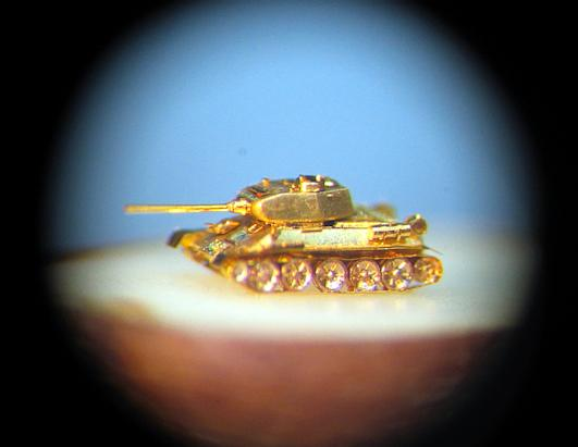 Artist's amazing tiny creations