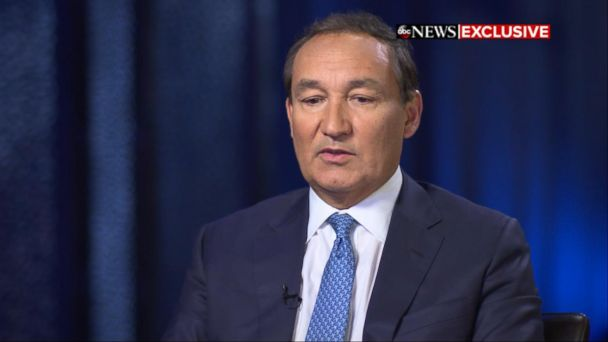 PHOTO: United Airlines CEO, Oscar Munoz, appears on