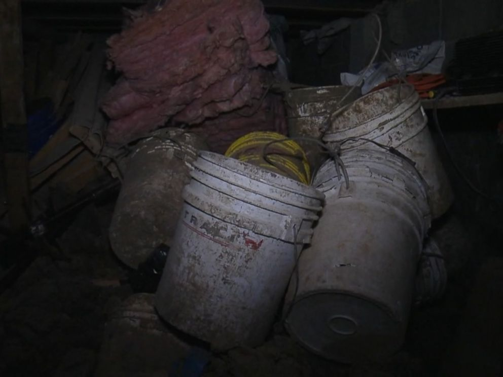 PHOTO: Construction debris was found inside the tunnel used by Joaquin El Chapo Guzman to escape from prison.