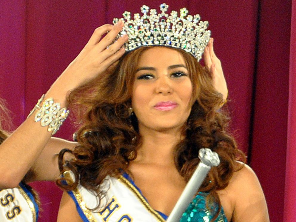 PHOTO: Maria Jose Alvarado is crowned the new Miss Honduras in San Pedro, Sula, Honduras, on April 26, 2014.