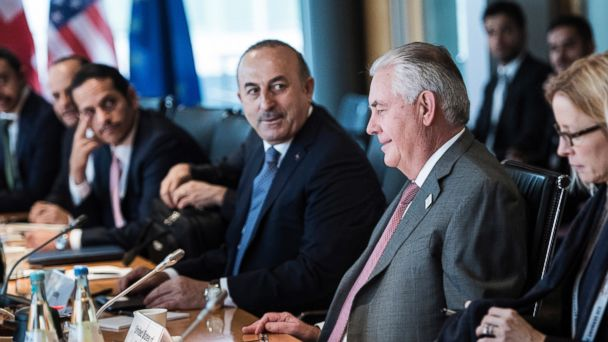 PHOTO: U.S. Secretary of State Rex Tillerson, second from right, and Turkish Foreign Minister Mevlut Cavusoglu, third from right, sit with other diplomats before a meeting on Syria at the World Conference Center in Bonn, Germany, Feb.17, 2017.