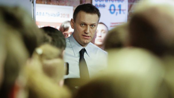 PHOTO: Russian opposition leader Alexei Navalny speaks with his supporters at the opening of his campaign office in St. Petersburg, Russia, Feb. 4, 2017.
