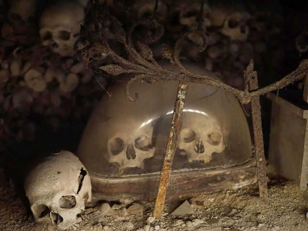 PHOTO: Skulls and bones are seen in the Fontanelle cemetery in Naples, Italy, Oct. 31, 2016.