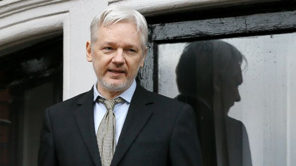 PHOTO: WikiLeaks founder Julian Assange speaks from the balcony of the Ecuadorean Embassy in London, Feb. 5, 2016.