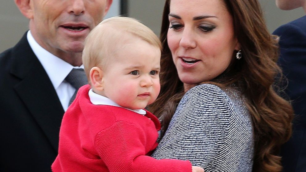 PHOTO: Kate, the Duchess of Cambridge, holds Prince George as they say goodbye before they board their flight in Canberra, Australia, April 25, 2014.