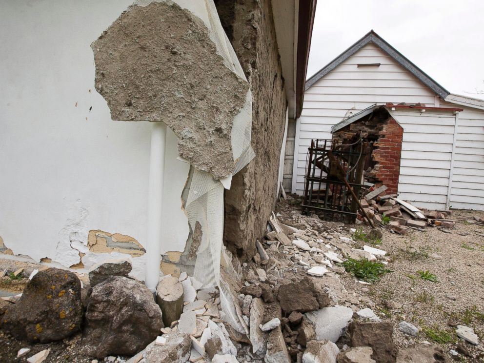 PHOTO: he walls of a historic church are damaged in Waiau after a earthquake in Waiau, New Zealand Monday, Nov. 14, 2016.