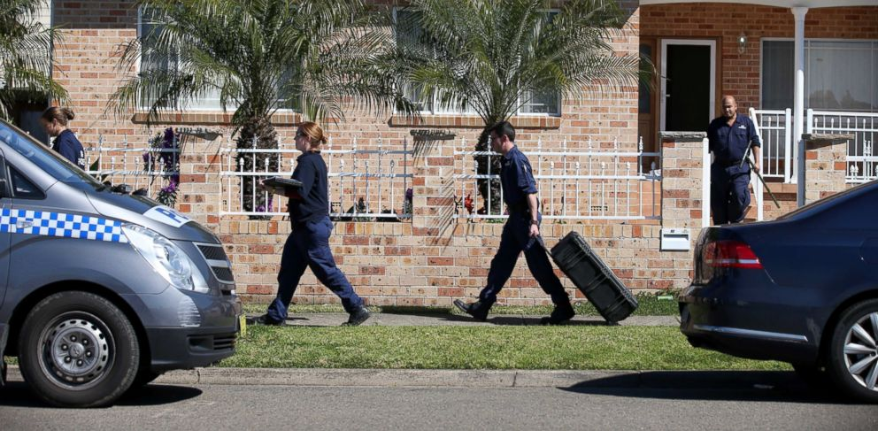 PHOTO: Police investigators work at a home at Guildford in suburban Sydney, Australia after about 800 federal and state police officers raided more than two dozen properties as part of the operation, Sept. 18, 2014.