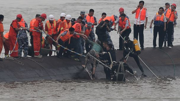 http://a.abcnews.com/images/International/AP_China_boat_sinks_rescue_bc_150602_16x9_608.jpg