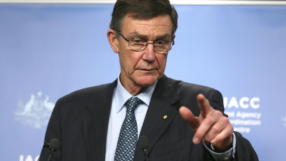 PHOTO: Retired Australian Air Chief Marshal Angus Houston gestures as he speaks at a press conference about the ongoing search operations for missing Malaysia Airlines Flight 370 in Perth, Australia, April 9, 2014.