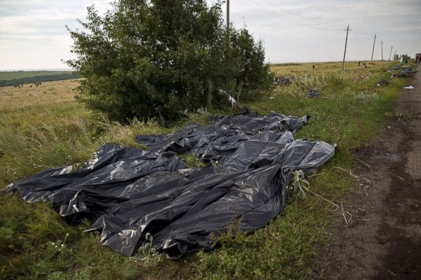 http://a.abcnews.com/images/International/AP_Malaysia_Airlines_Ukraine_body_bags_bc_140720_3x2_608.jpg