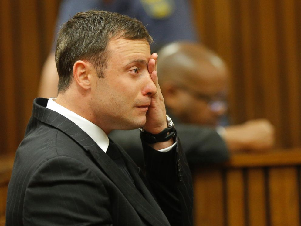 PHOTO: Oscar Pistorius cries in the dock in Pretoria, South Africa, Sept. 11, 2014 as Judge Thokozile Masipa reads notes as she delivers her verdict in Pistorius murder trial.
