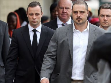 Pistorius Says He Accidentally Fired His Gun 4 Times