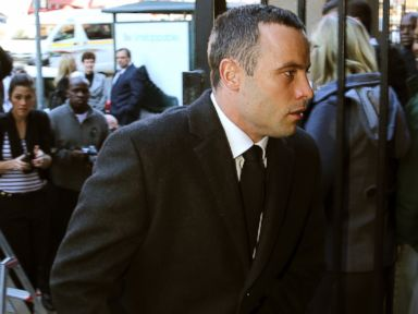 Oscar Pistorius Reports for Psychiatric Evaluation