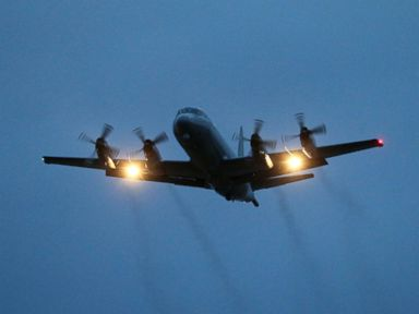 Hunt for Flight 370 Resumes in Calmer Seas