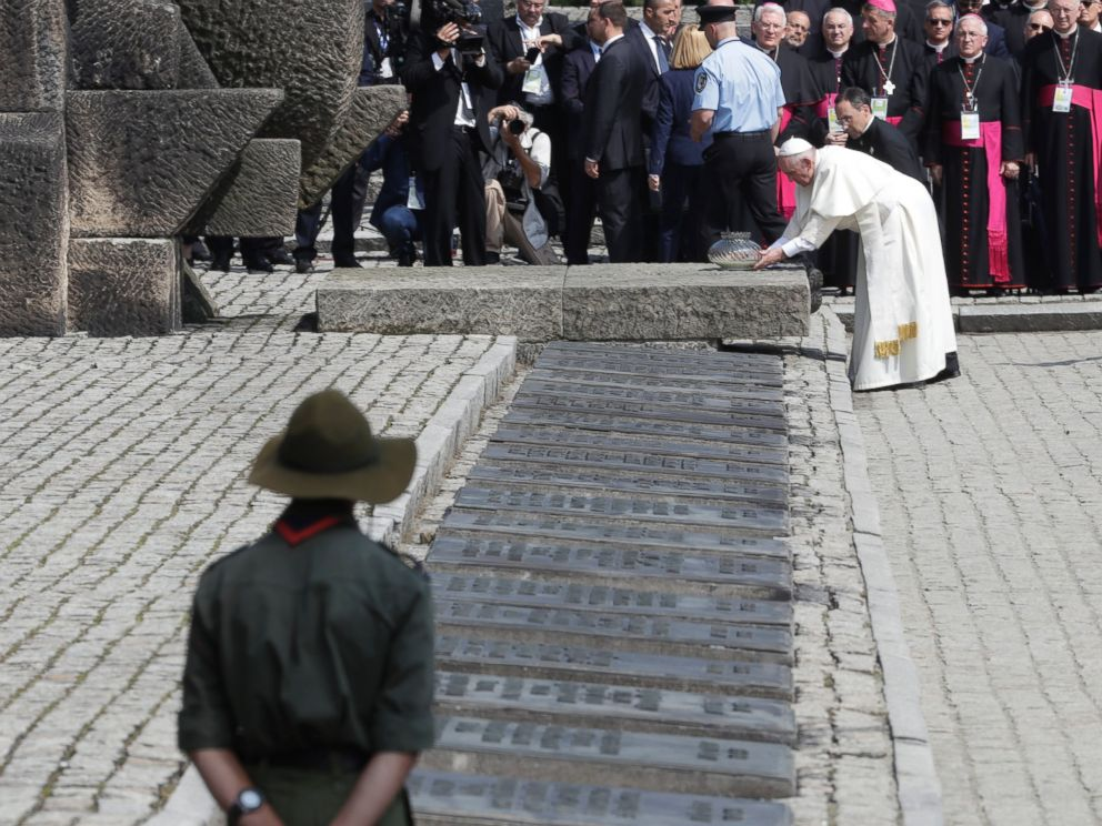 PHOTO: Pope Francis prays in front of the Memorial at the former Nazi Death Camp Auschwitz-Birkenau, in Oswiecim, Poland, July 29, 2016.