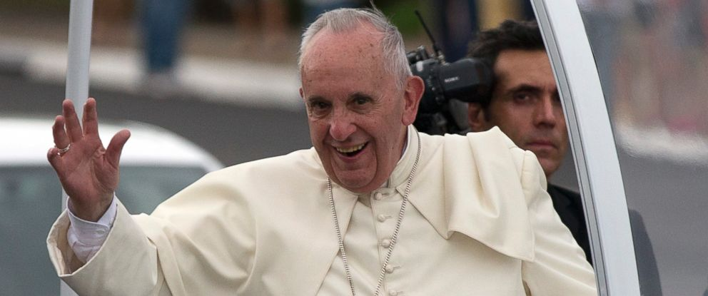 PHOTO: Pope Francis waves from his popemobile as he leaves the airport and arrives to Havana, Cuba, Saturday, Sept. 19, 2015.
