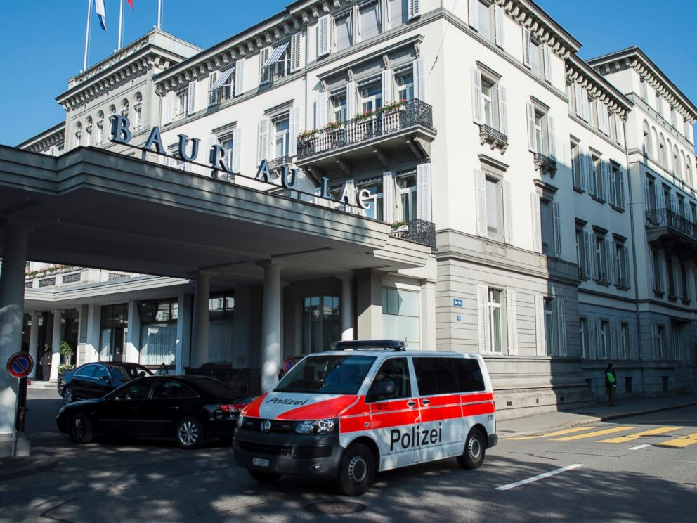 PHOTO: A police vehicle is parked outside of the hotel Baur au Lac in Zurich, Switzerland, May 27, 2015.