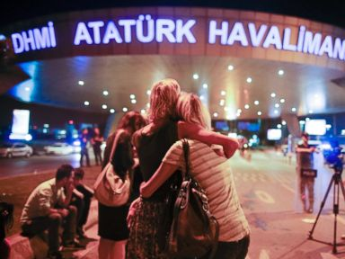 All Signs Point to ISIS in Istanbul Attack, Turkish PM Says