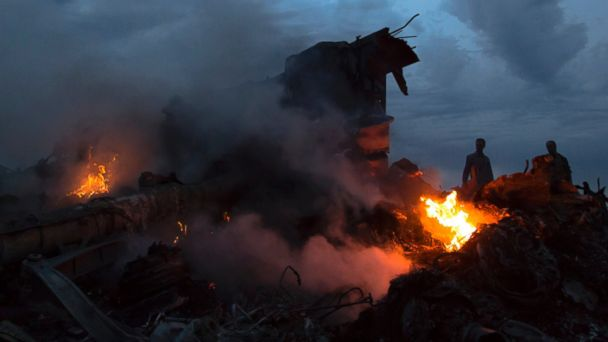 http://a.abcnews.com/images/International/AP_Ukraine_Malaysia_Airlines_debris_bc_140717_16x9_608.jpg