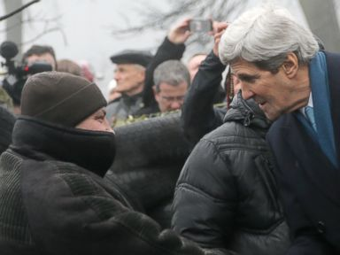 Kerry Lands in Kiev Bearing $1 Billion in Aid