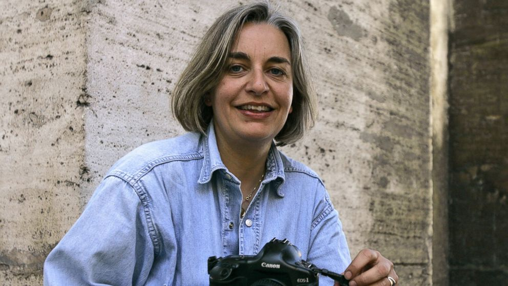 PHOTO: Associated Press photographer Anja Niedringhaus poses for a photograph in Rome, in this April 2005 file photo.