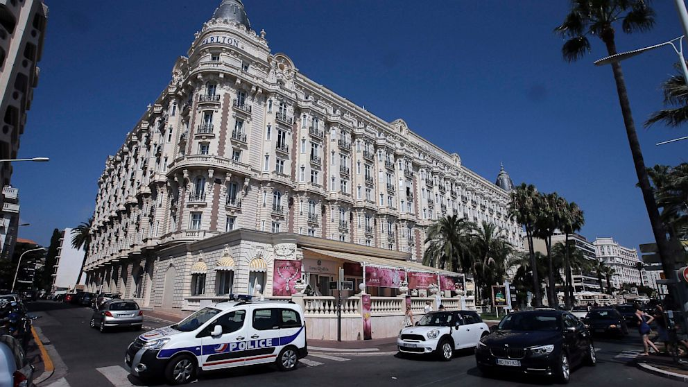 PHOTO: Carlton hotel, in Cannes