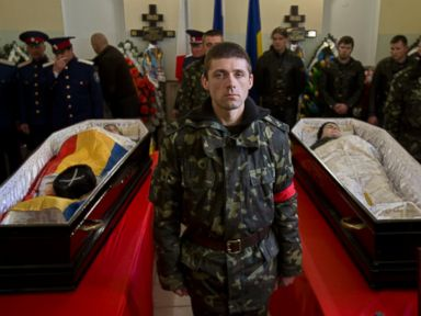 Russian and Ukrainian Soldiers Mourned at Same Funeral